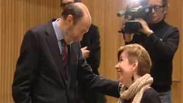 "Rubalcaba da por zanjado ""el asunto"" con Maru Menéndez, pero no se disculpa"
