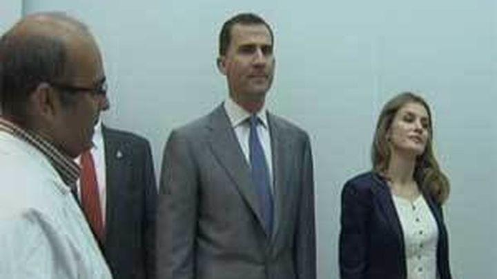 Los Príncipes de Asturias visitan el Laboratorio Ibérico de Nanotecnología