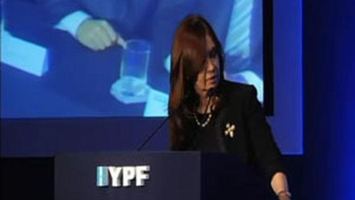 """Cristina Fernández: """"El petróleo es más de los hombres"""""""