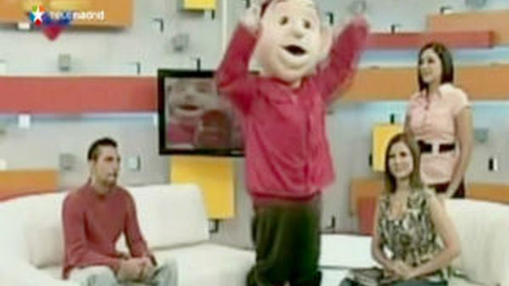 El chavismo ensalza la imagen de Chávez hasta con gigantes muñecos hinchables
