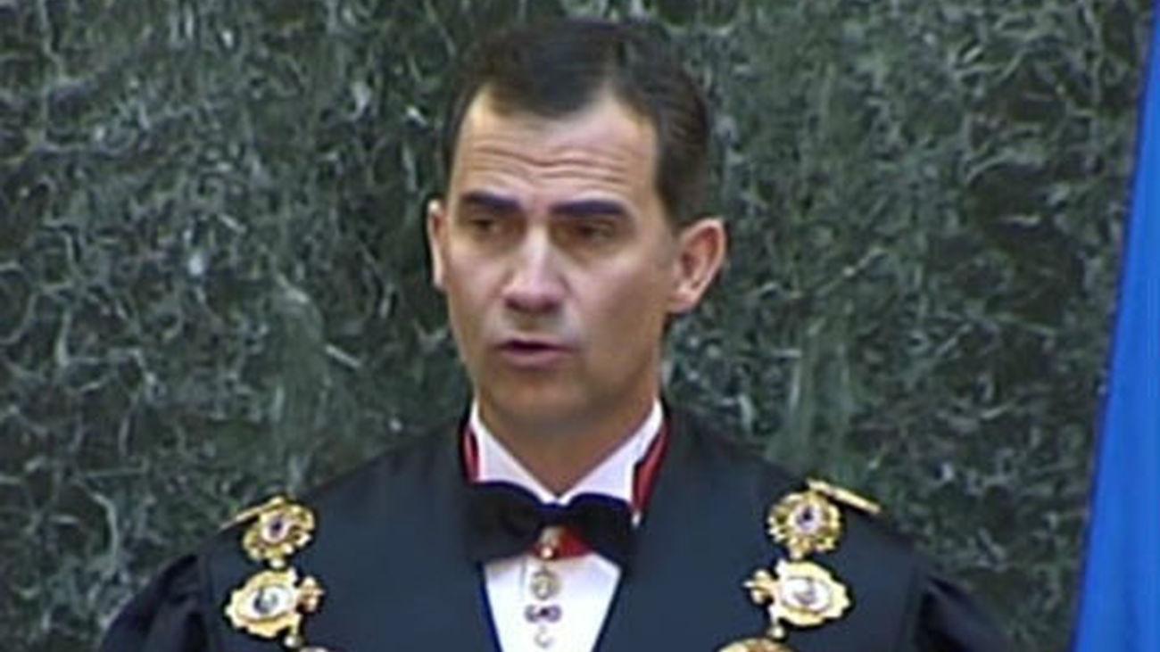 El príncipe Felipe anima a reflexionar sobre la independencia del Tribunal Supremo
