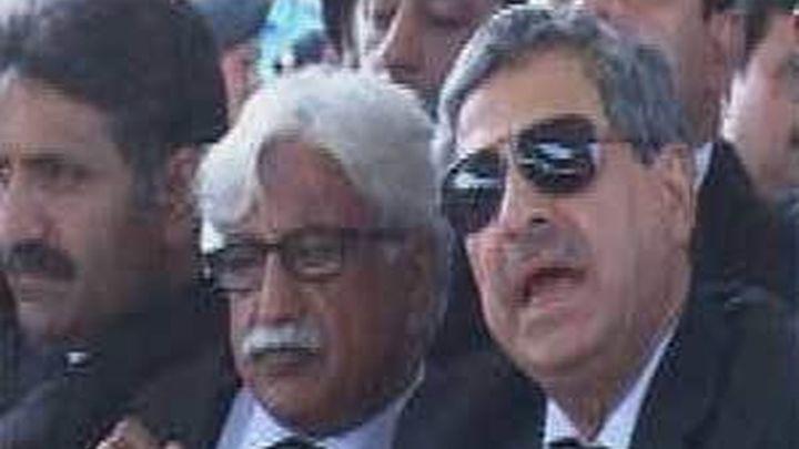El Supremo paquistaní ordena la inhabilitación del primer ministro