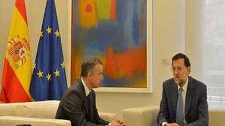 """Urkullu insta a Rajoy a """"seguir dando pedales"""" para lograr la desaparición de ETA"""