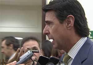 Soria apunta que la tarifa eléctrica subirá entre el 4 % y el 5 % en julio