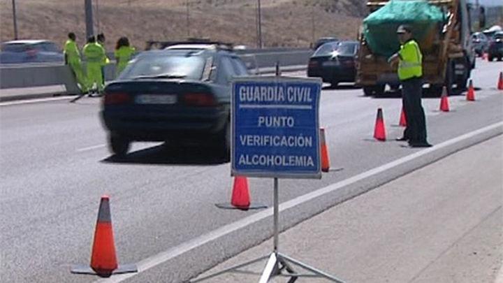 Tres detenidos en Madrid por saltarse un control  e intentar atropellar a un guardia civil