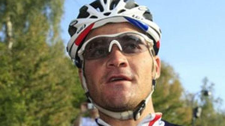 Voeckler gana la primera etapa alpina y Wiggins sigue líder sin dificultades