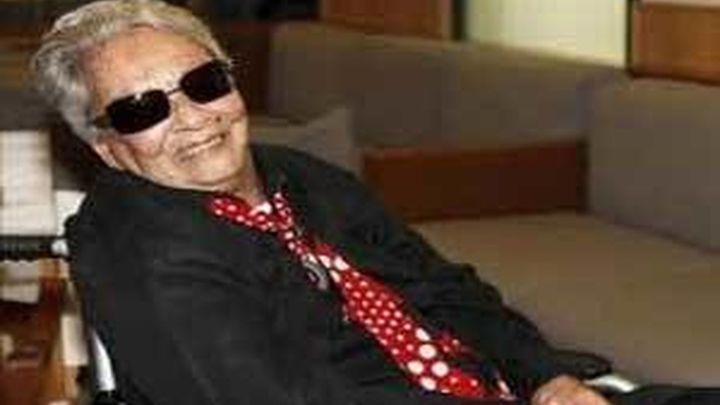 """Chavela Vargas, """"fenomenal y feliz"""", recibe el alta médica"""