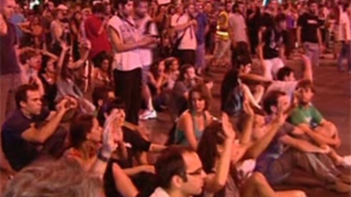 Los funcionarios ponen fin a su protesta en la Plaza de Neptuno de Madrid