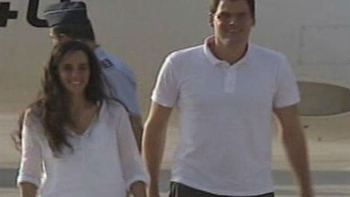 Aterrizan en Madrid los dos cooperantes liberados en Mali