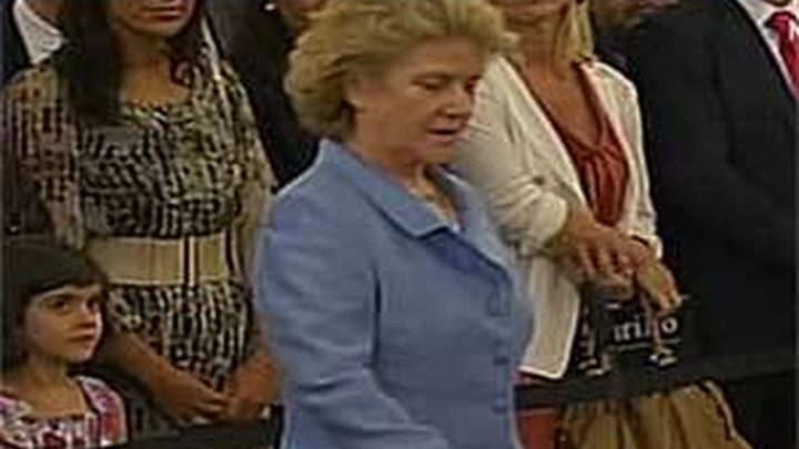 Soledad Becerril reafirma su independencia  en su toma de posesión como Defensora del Pueblo