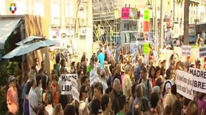 Un centenar de personas protestan por la reforma en la ley del aborto