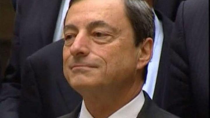 Draghi dice a la banca que el BCE será el supervisor único en menos de un año