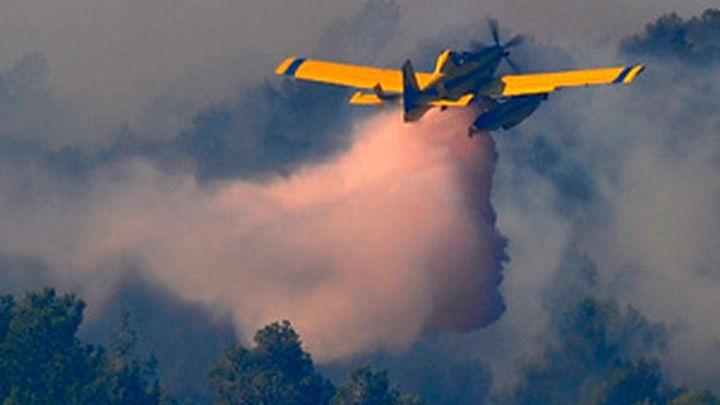 El fuego de La Gomera continúa sin  control y con 1.360 vecinos desalojados
