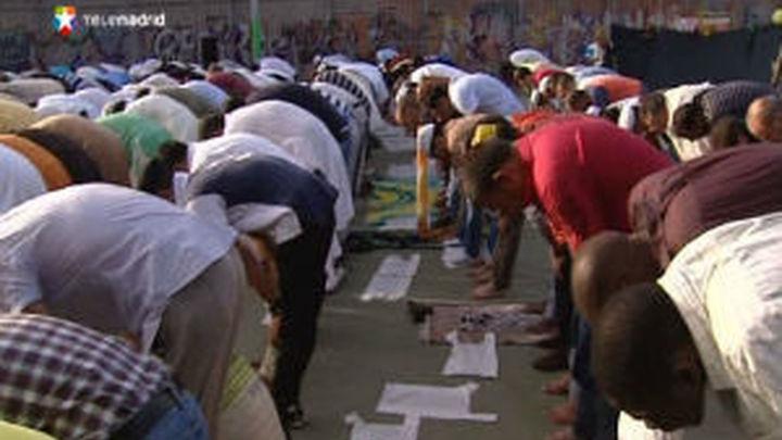 Miles de musulmanes celebran en Madrid el final del Ramadán