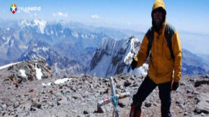 Juan García Arriaza llega con la bandera de Móstoles a la cima de Europa