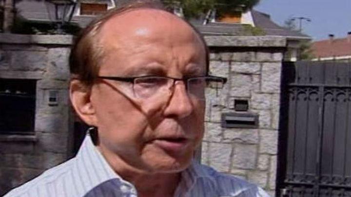 Un equipo del Summa atiende a José María Ruiz-Mateos en su domicilio