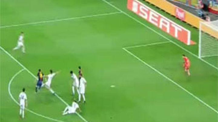 (3-2). El Real Madrid sale vivo del Camp Nou gracias a un regalo de Valdés
