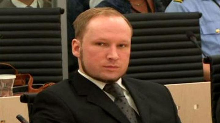 Breivik condenado a 21 años de cárcel prorrogables por los atentados de Noruega