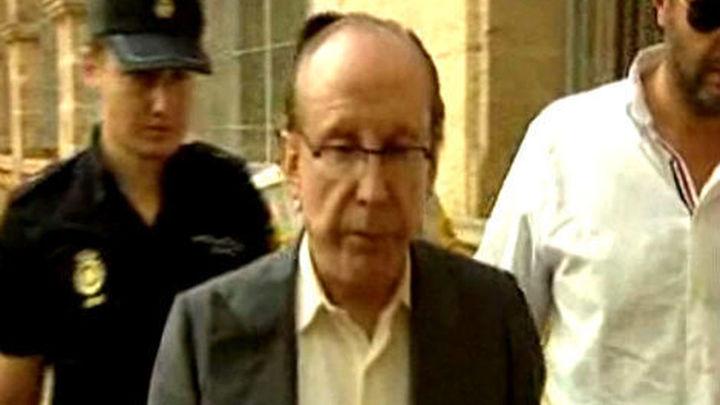 Ruiz-Mateos se acoge a su derecho a no declarar y sale en libertad