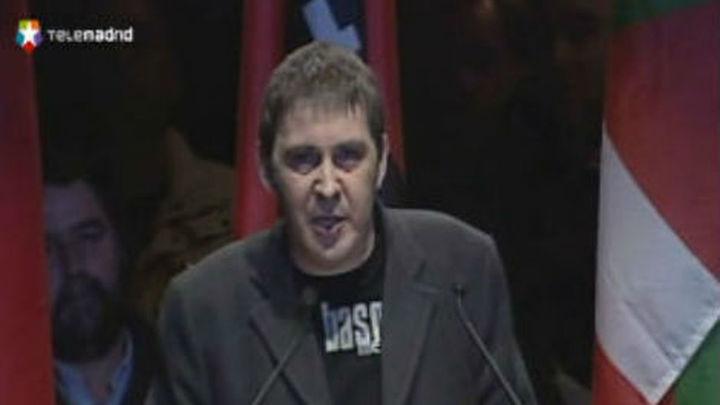 """Otegi se suma a Mas y dice que el Estado está """"agotado"""" y es débil"""