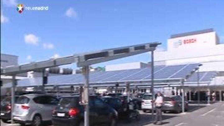 Botella inaugura una instalación fotovoltaica del grupo Bosch