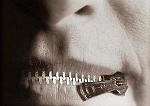 Cremallera en la boca
