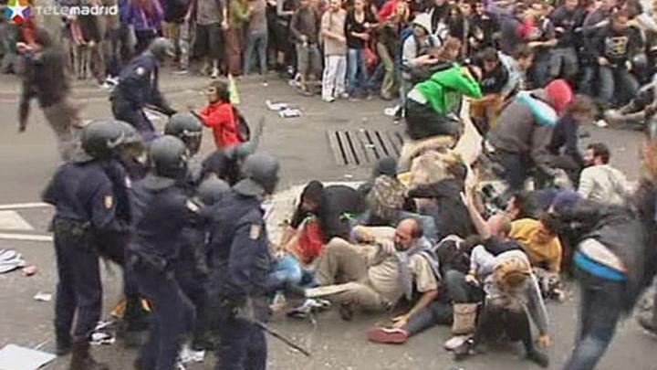 22 detenidos y 14 los heridos, uno grave, en los incidentes del 25S
