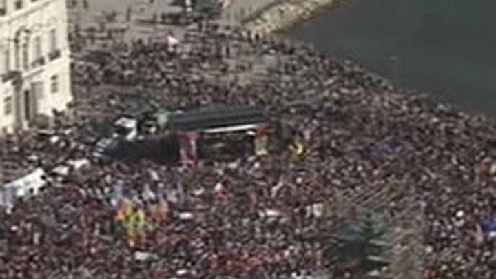 Multitudinaria manifestación en Lisboa contra la austeridad