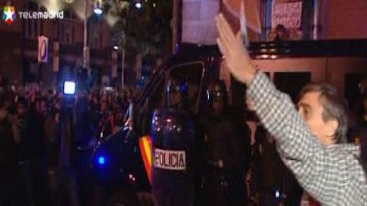 En libertad con cargos los dos detenidos en la minoritaria protesta ante el Congreso