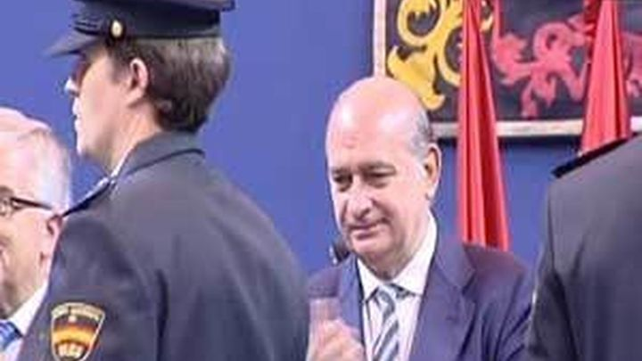 Fernández Díaz defiende la labor crucial de la Policía en defensa del Estado