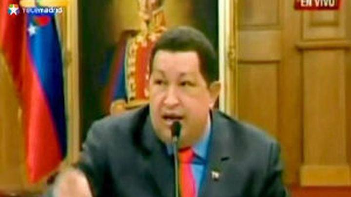 Hugo Chávez  amenaza con sacar la caballería contra el rey Juan Carlos