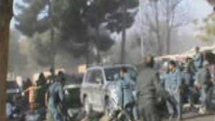 Al menos 40 muertos y 40 heridos en un atentado suicida en Afganistan