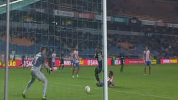 (2-0) El Atlético termina con su racha de 16 victorias seguidas en Europa
