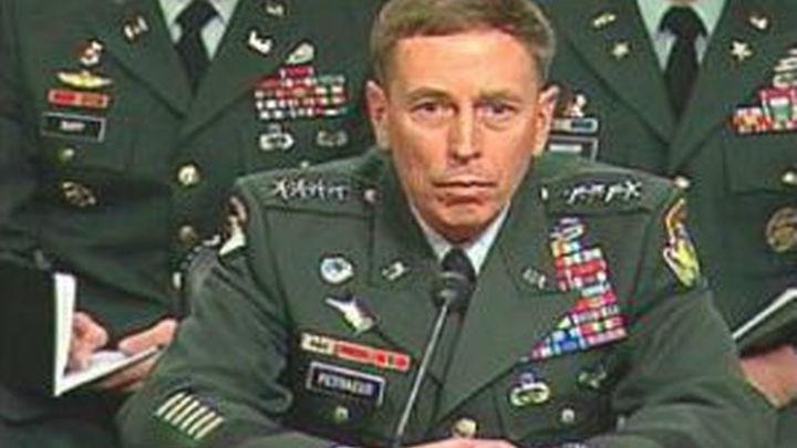 El director de la CIA presenta su dimisión
