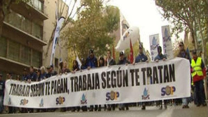 Unos 5.000 policías protestan en Madrid contra los recortes salariales