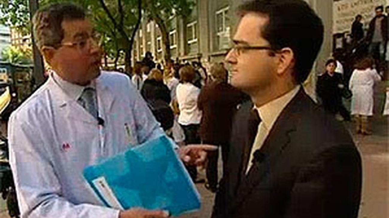 Enrique Normand (UPyD) visita el hospital de La Princesa