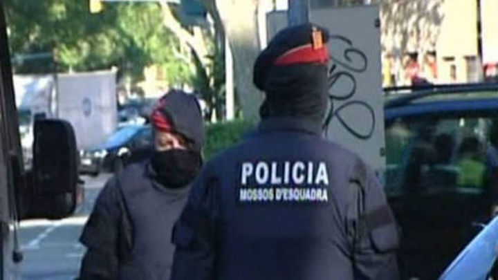 200 jueces reprochan al Gobierno el indulto a 4 mossos condenados por torturas
