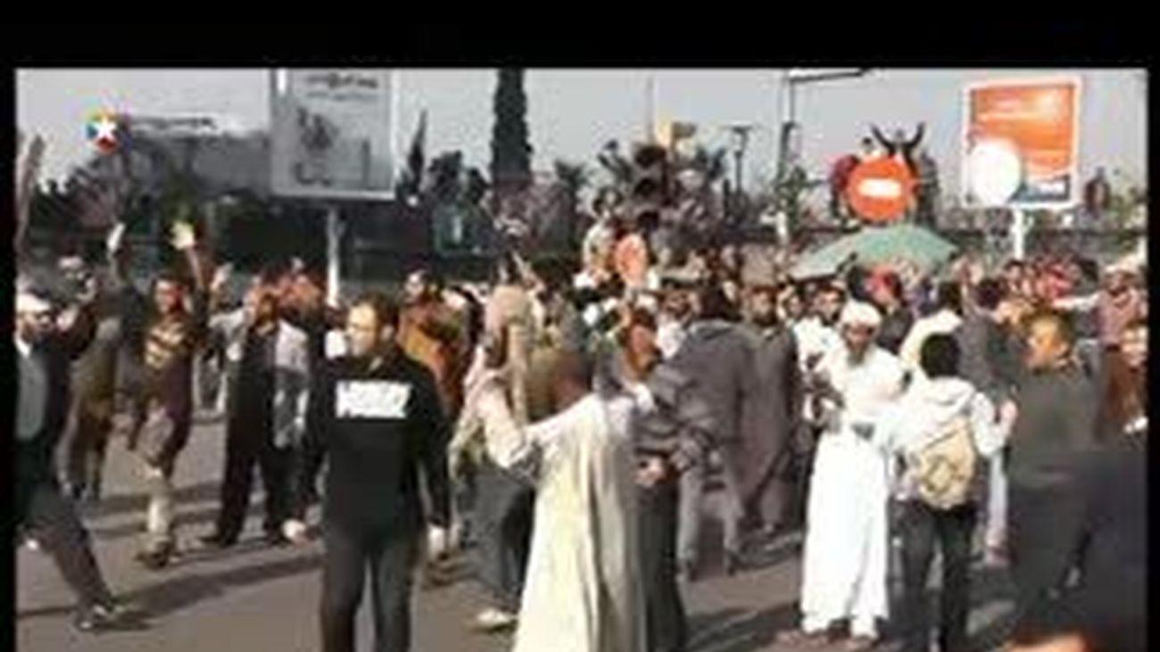 Decenas de miles de islamistas toman las calles para respaldar a Mursi