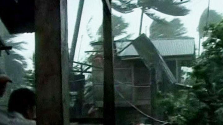 """Elevan a 647 los muertos por el tifón """"Bopha"""" en Filipinas"""
