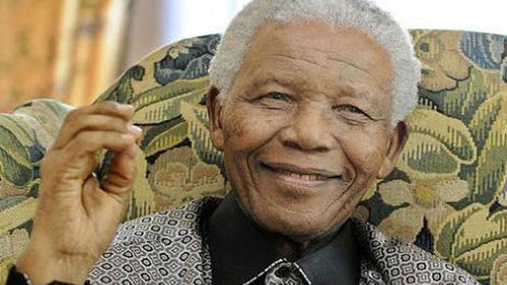 """Mandela, hospitalizado en Pretoria """"para unos análisis"""" rutinarios"""