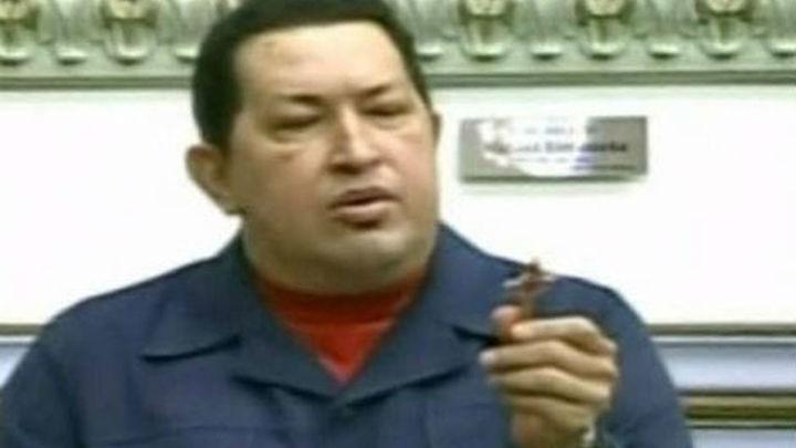 """Chávez supera de """"manera exitosa"""" una nueva operación en Cuba"""