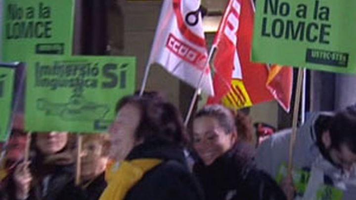 Defensores de la educación pública salen a las calles contra las reformas de Wert