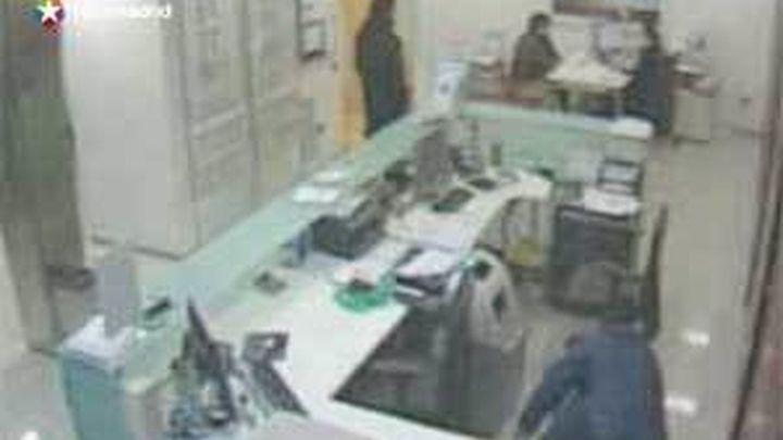 Cae una banda que robaba al descuido en bancos de Madrid