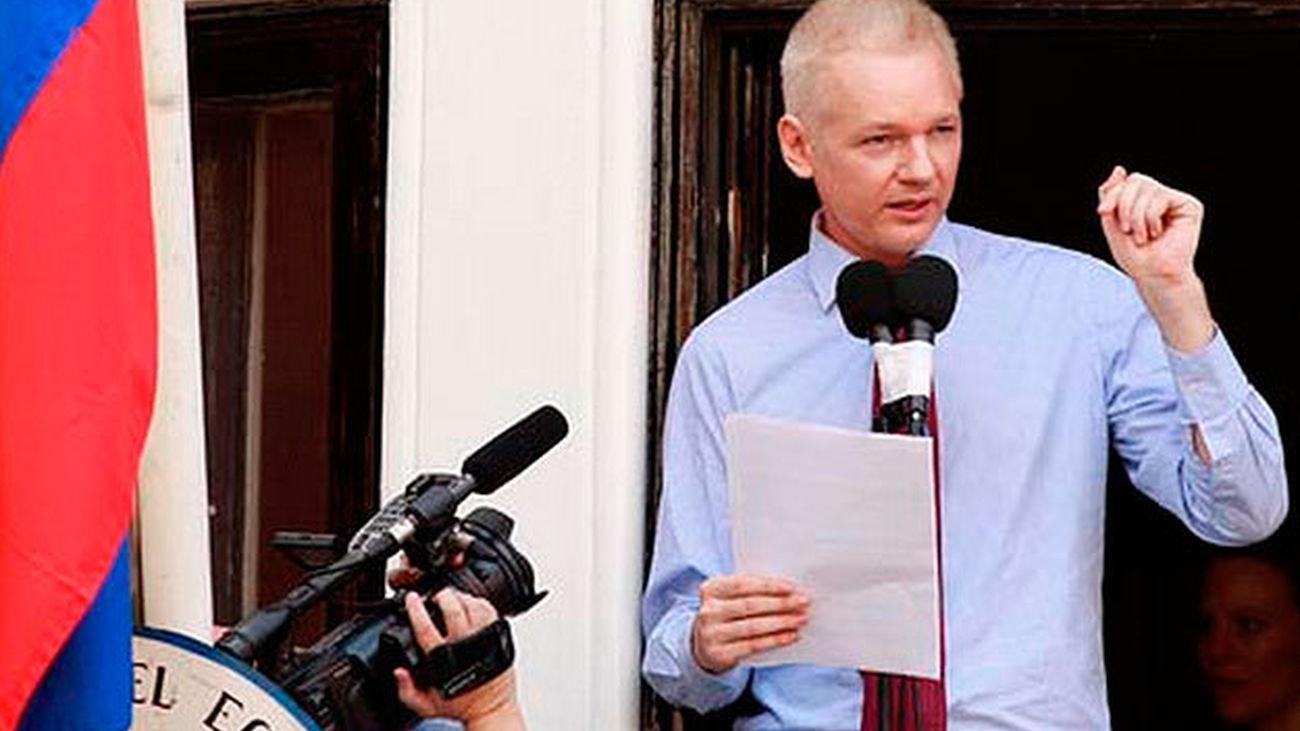 Assange lamenta que no ha visto a sus hijos en cuatro años
