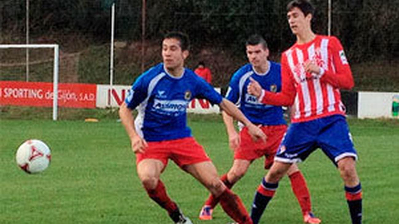 El jugador del Fuenlabrada Borja, en el encuentro ante el Sporting B