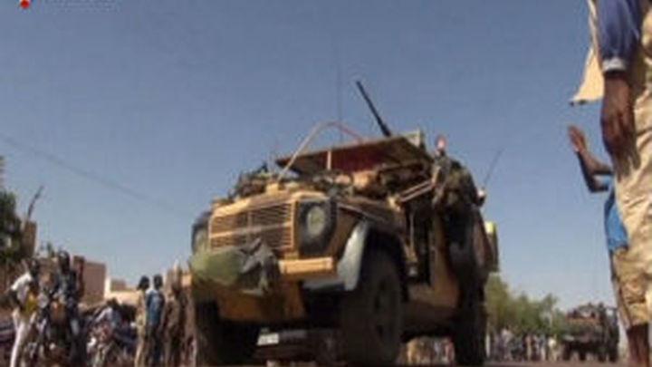 Francia no descarta incrementar sus tropas en Malí
