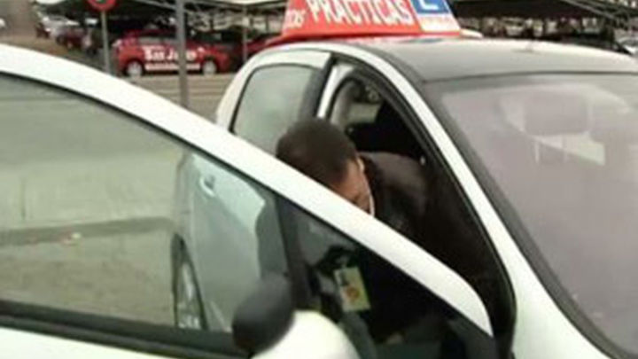 Más de 2.000 futuros conductores se enfrentan este lunes al nuevo examen práctico