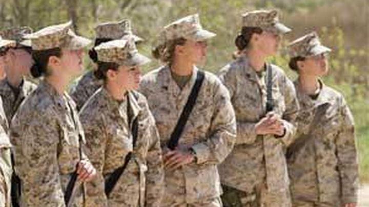 El Pentágono levanta la prohibición de que las mujeres sirvan en combate