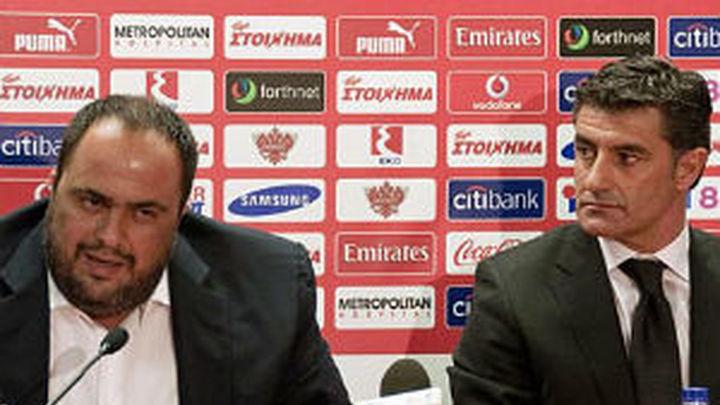Míchel firma por Olympiakos