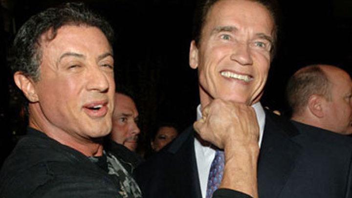 Schwarzenegger y Stallone mueren en la taquilla